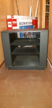Small tv stand  Kitchener, N2A 1Y5