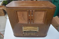 Antique 1940 Wards Airline Radio