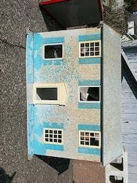 beige and teal wooden dollhouse playset Stockbridge, 49285