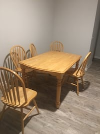 Kitchen table and 5 chairs light oak located in Ashland City TN