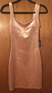 Forever 21 size small new with tag Toronto, M6E 4A3