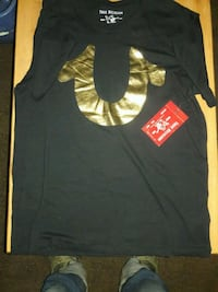 (True religion shirt)(black w/gld)Brand New (Size: Large)