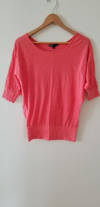 Pink coral sweater small Vancouver