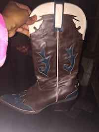 Non leather cow boy boots! Chelsea, 02150
