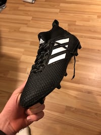 Adidas Soccer Cleats BRAND NEW  $120 to buy in store Victoria, V8R 2V6