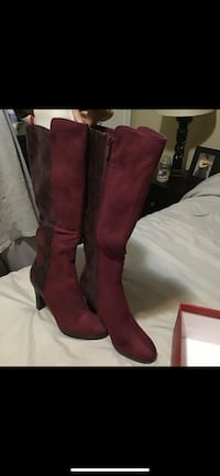 Red boots never worn size 9 Eddystone, 19022
