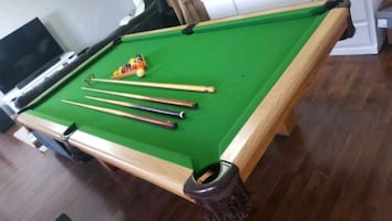 4x8 Dufferin slate pool table with rack and cues