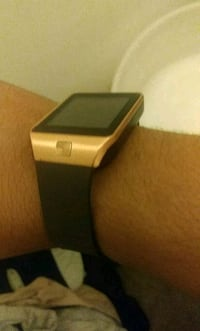 Works great smart watch 25 takes it  Providence, 02908