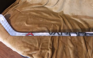 NEW Baurer Vapor Hockey Stick