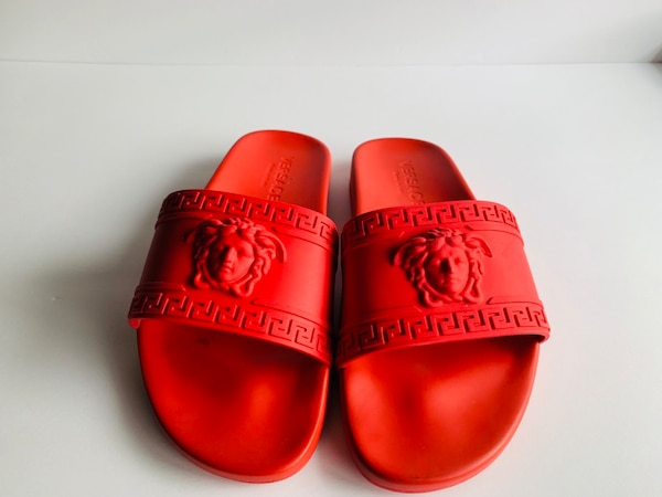 6dde8c4303c8 Used pair of red Gucci slide sandals for sale in Mountain View - letgo