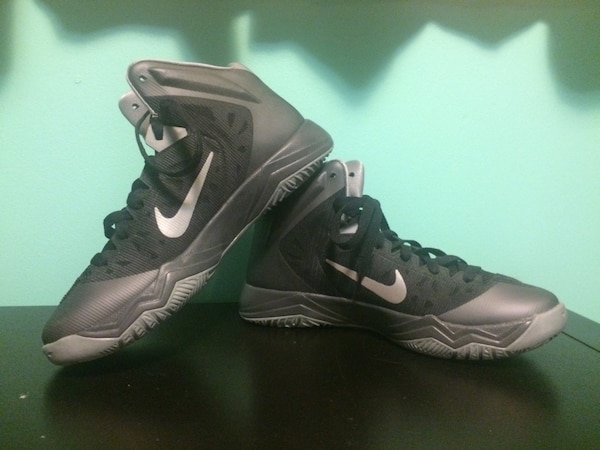 Used Nike Zoom Hyperfuse basketball shoe for sale in Edmonton - letgo 138d70103