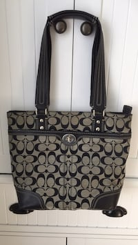 Authentic coach purse Coquitlam, V3K 3S5