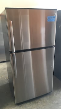 stainless steel top-mount refrigerator Concord, 94520