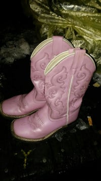 pair of pink leather cowboy boots Rathdrum, 83858