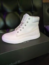 Women's Timberland Boots size 8 Conway