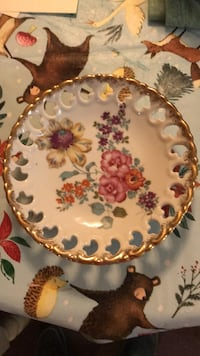 old floral plate #988  College Station, 77845