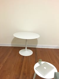 CB2 Round White Dining Table New York, 10018