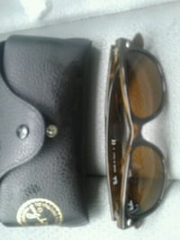 Ray-Ban New Wayfarer  sunglasses with case Richmond, V6X