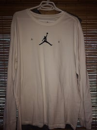 white and black Air Jordan crew-neck sweater Quinte West, K8V