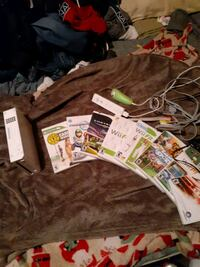 Nintendo Wii. 2 controllers and 8 games Wichita, 67211