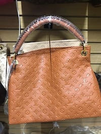 brown leather Louis Vuitton tote bag Austell, 30168
