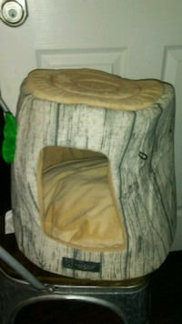 Cat tree bed Victorville, 92392