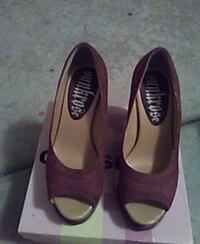 pair of brown leather flats Phoenix, 85063