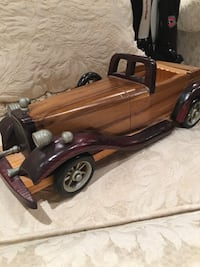 Antique wood car - decorative or as a toy Hampstead, H3X 3G3