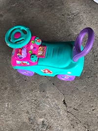 toddler's blue and pink ride on toy car Milwaukee, 53218