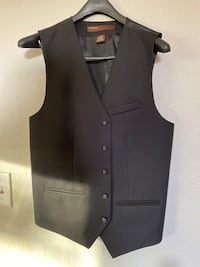 Perry Ellis vest Size small