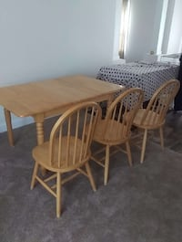 windsor brown wooden rectangular dining set Bridgeville, 19933