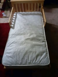 toddler bed with mattress Maplewood, 55117