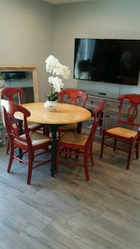 Dinning table w/ 5 chairs  Riverside, 92504