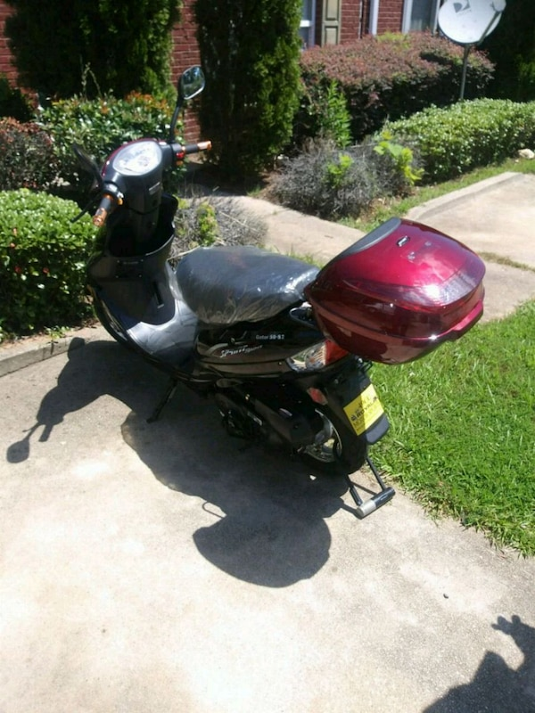 287889284576 Used 2018 gator scooter moped 49cc for sale in Lithonia - letgo