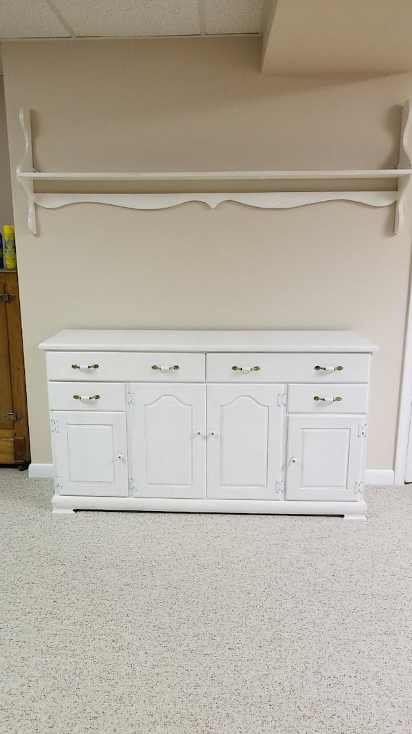 Pine cabinet painted with crackle paint f0c7464e-05f4-4742-a610-8b750ae7a64b