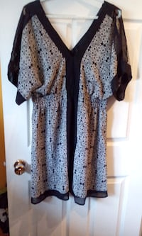 light open sleeve dress size large $5 Central Okanagan