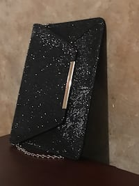 Thin sparkly black clutch Cambridge, N1T 1K9