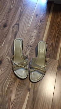 Ladies sandals - size 8.5 Mississauga, L4Z
