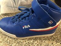 Boys running shoe Fila. Size 4 1/2. Mississauga, L5M
