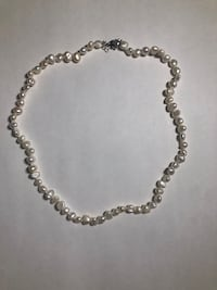 BRAND NEW women pearl necklace