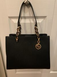 Black leather michael kors tote bag. Brand new. Authentic