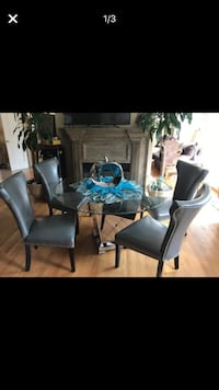 Dining table with 4 chairs Rolling Hills Estates, 90274