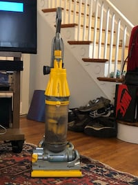 Dyson Cyclone Upright Vacuum Cleaner Washington, 20011