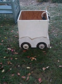 white and brown wooden trailer Carmichael, 95608