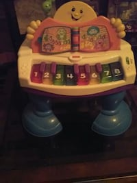 Fisher price Baby grand will teach music to Your c Grand Prairie, 75052