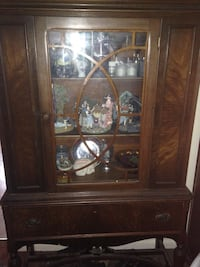 Brown wooden glass cabinet Hagerstown, 21740
