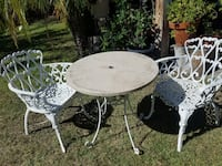 Cast iron Vintage patio outdoor set 2 chairs and table Anaheim, 92805