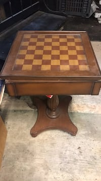 Brown wooden table with drawer Plymouth, 02360