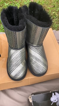 Pair of gray leather boots Middletown, 10940