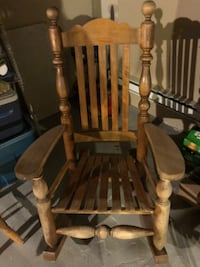 Brown wooden windsor rocking chair Saint-Lin-Laurentides, J5M